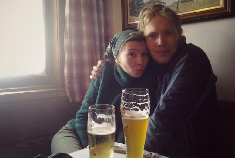 Пиво с нами, мы в кафе, кафе на вершине