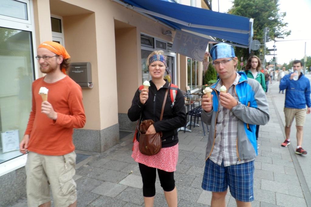 По всюду в Мюнхене можно купить очень вкусное мороженое за 1 евро