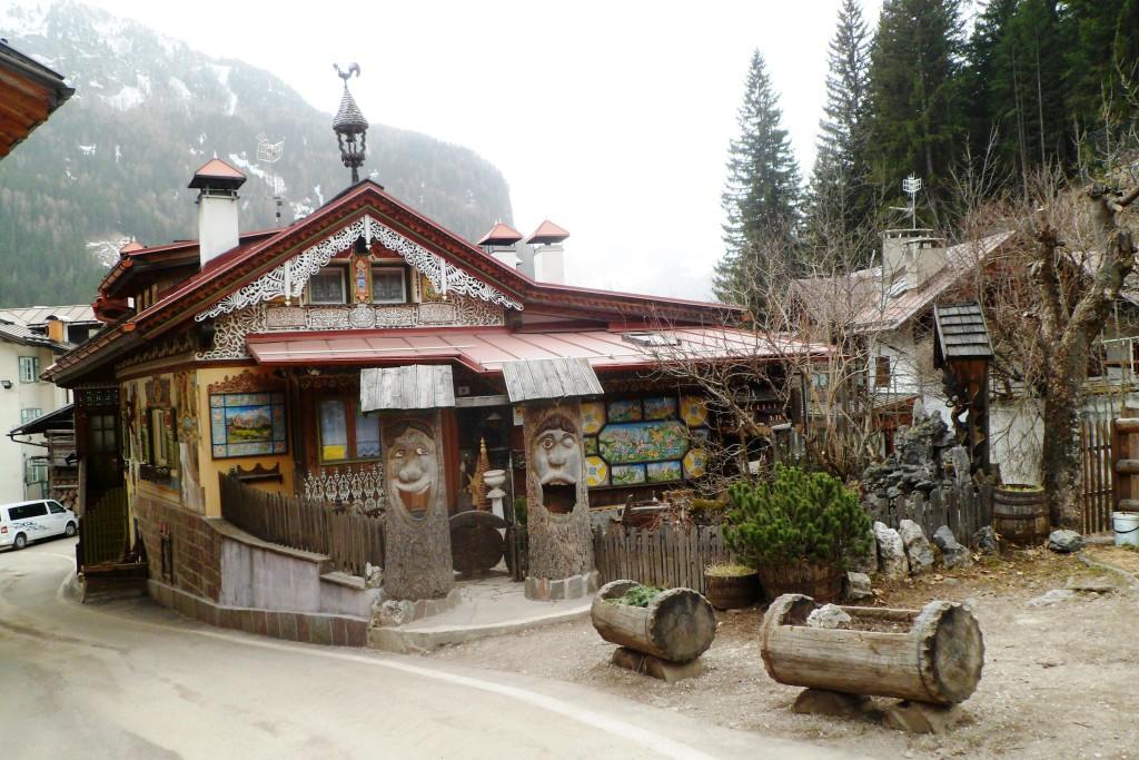 Дом в Канацеях, Альпы.