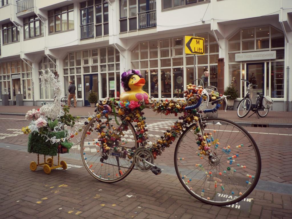уточки и велоспеды амстердама