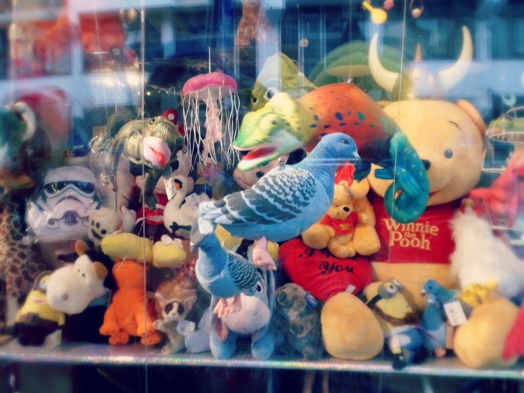 игрушечный голубь
