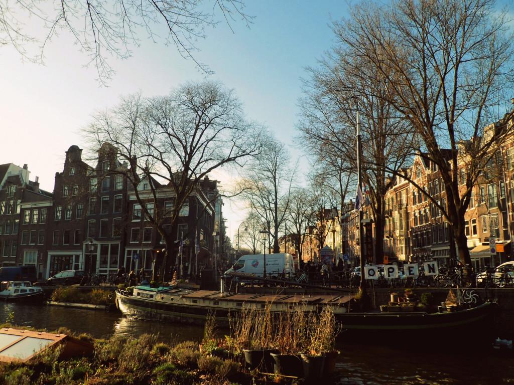 рестораны на каналах Амстердама