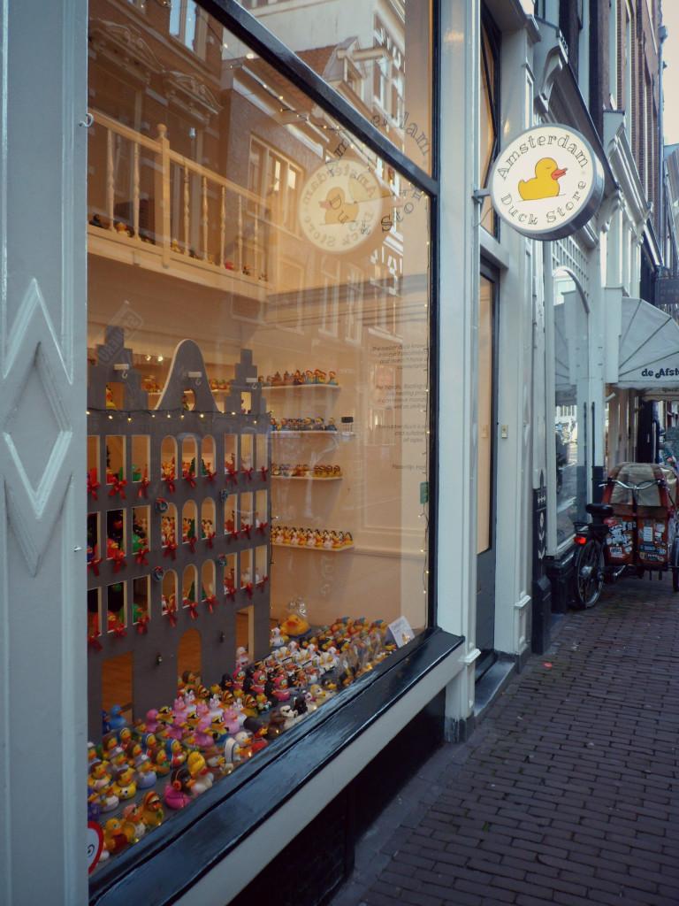 резиновая уточка из Амстердама