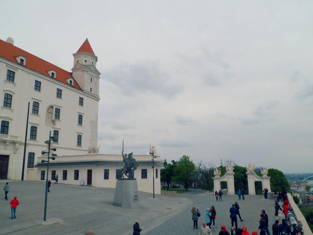 Bratislavskii grad vnutri