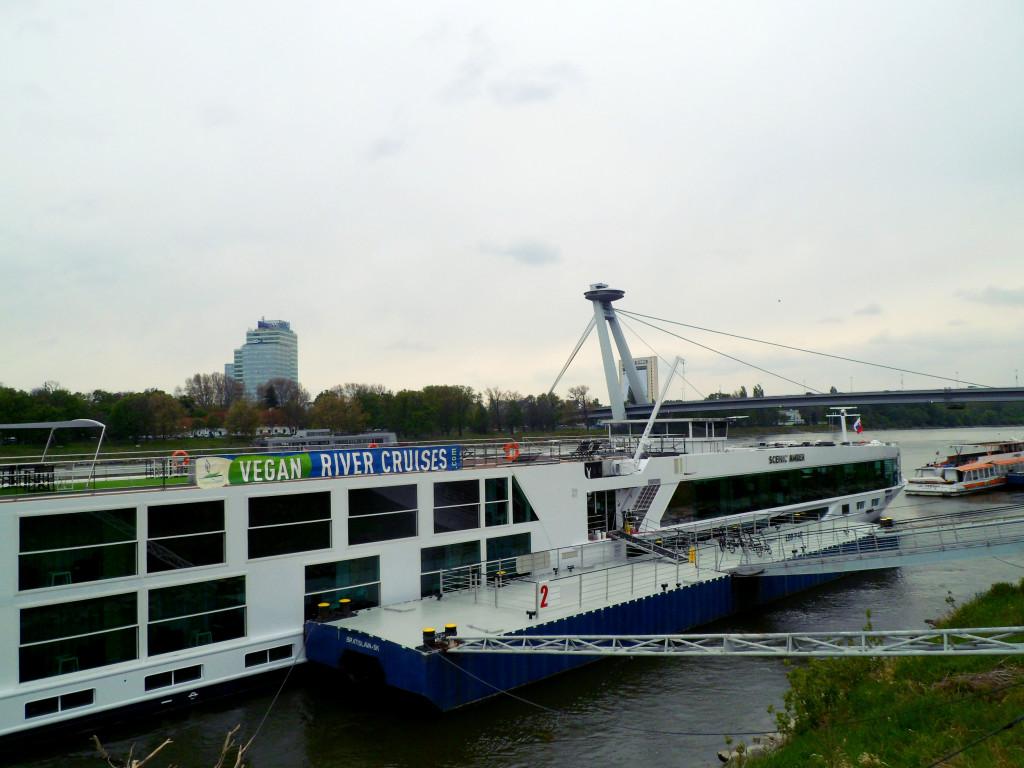 cruiz po Dunau iz Bratislavi